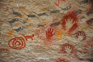 gambar-cadas-mengenai-reproduksi-ditemukan-di-papua-barat