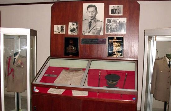 Raja-Kamar-48f-Jakarta-museum-lubang-buaya-3